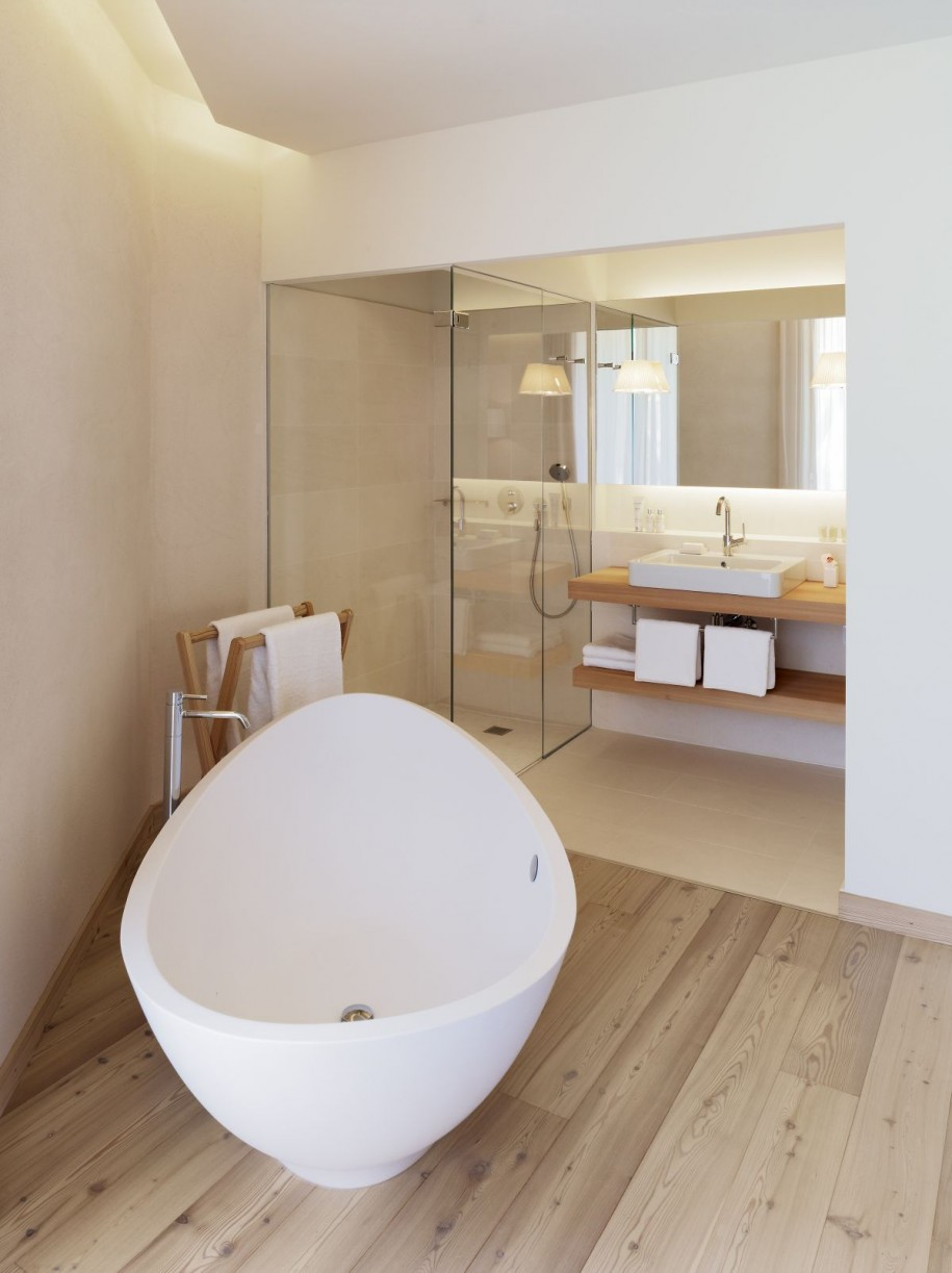 small bathroom in los angeles? here are some tips to manage your